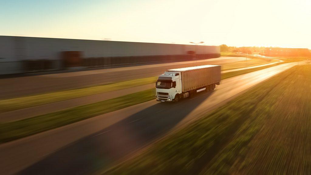 Lagarda Internacional. Agencia de transportes. Transporte terrestre. Transporte por carretera.